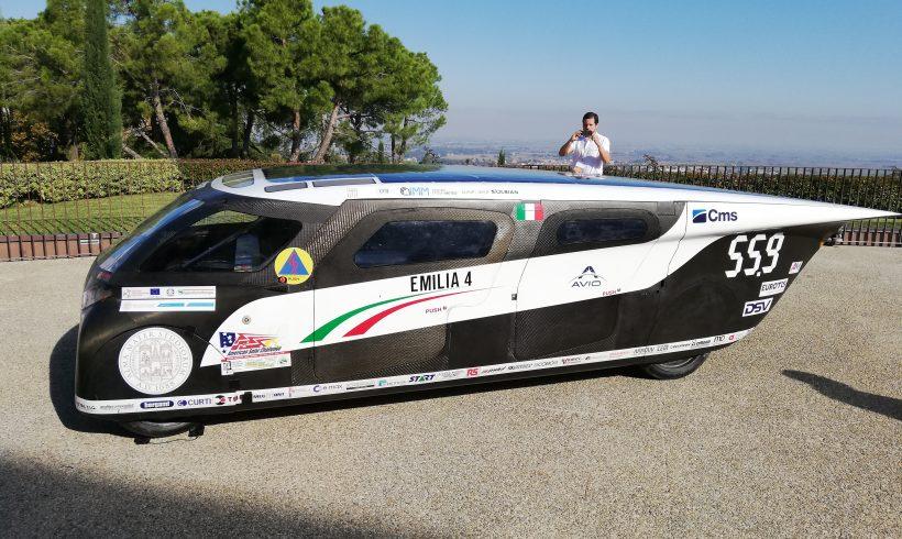 Emila 4, l'auto SunPower a 4 posti