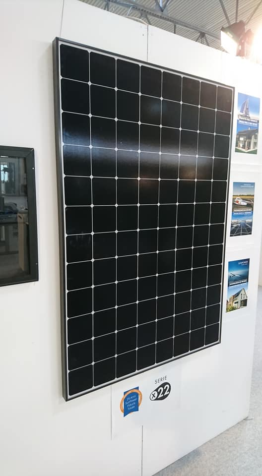SunPower high-efficiency PV module
