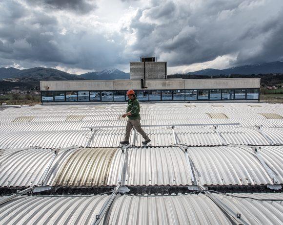Lavorazione del vetro con l'energia rinnovabile presso Farglass (AQ)
