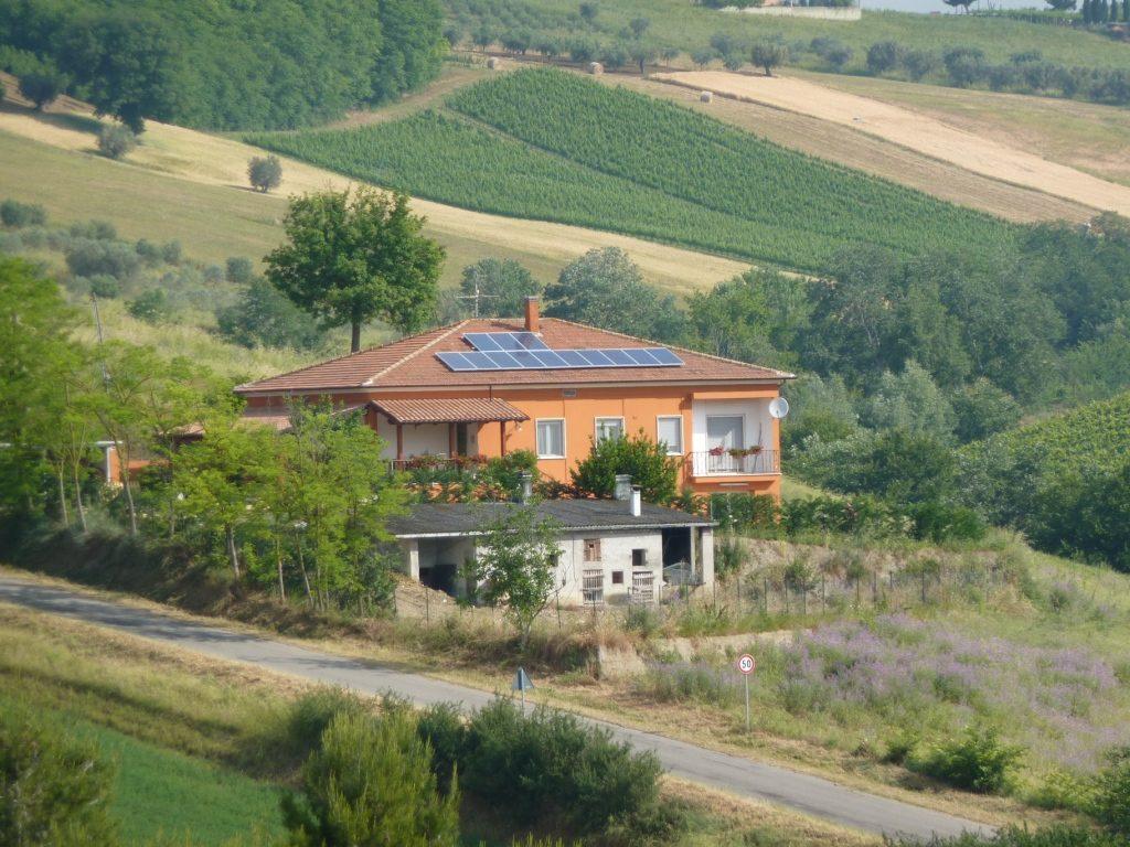 Impianto fotovoltaico a Morro d′Oro da 2,99 kW.