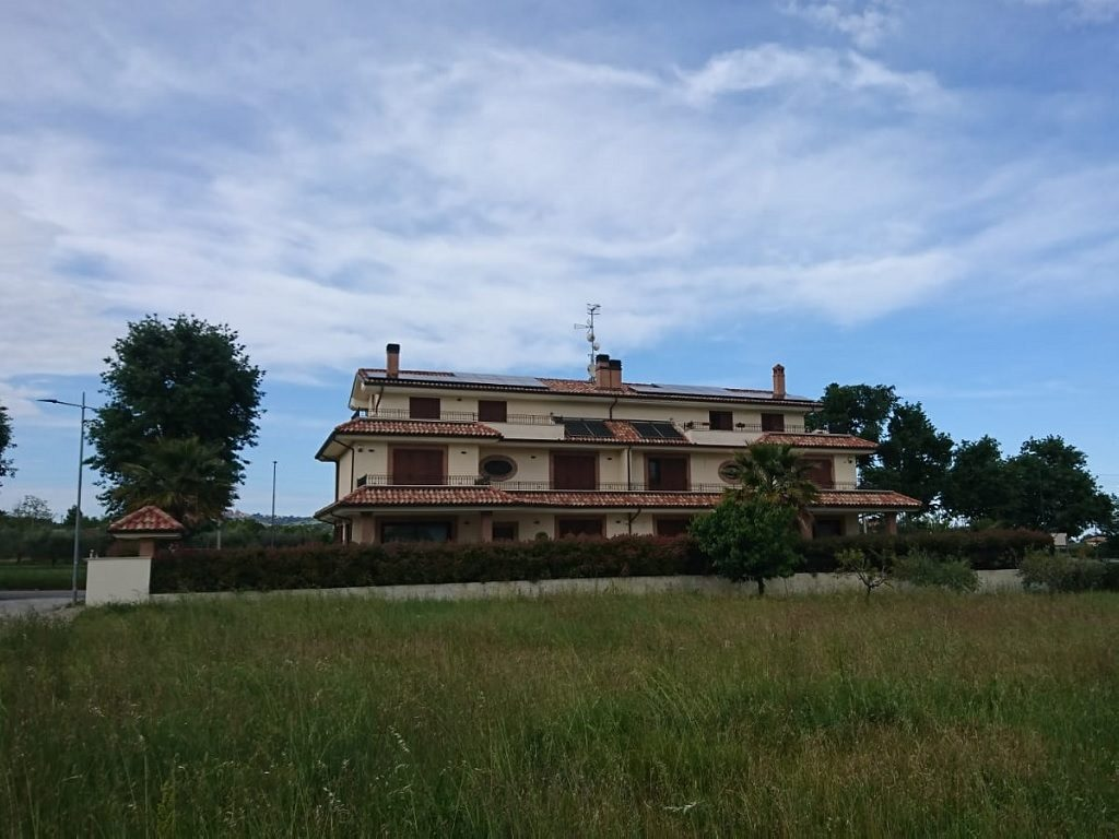 Due impianti fotovoltaici per due famiglie a Corropoli (TE).